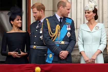 Раскрыты причины выбора одежды для жен британских принцев