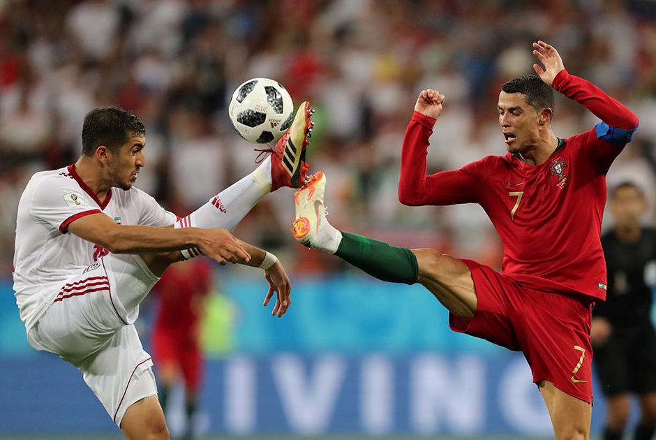 Триллер устроили команды из группы В в последнем туре группового этапа. Ни Португалия, ни Испания — записные фавориты — не смогли обыграть своих менее статусных соперников, тем не менее пробились в плей-офф. Сопротивление, которое пиренейским командам оказали сборные Ирана и Марокко, стали символом того, что в мировом футболе больше нет сильных и слабых сборных, как нет и проходных матчей.