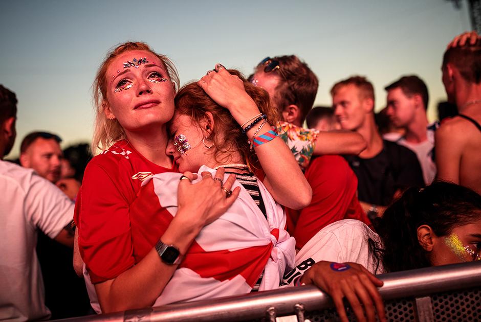 Football is not coming home. За полуфинальной встречей с Хорватией наблюдали, кажется, все англичане. Те, кто не смог в последний момент раскошелиться на билет до Москвы, собрались в Лондоне и... увидели крах надежд молодой команды. Опытные хорваты сделали то, что должны были, и лишили соперника исторического финала, в который сами попали впервые в истории.