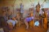 Вся юго-восточная часть рынка посвящена специям. Часть специй поступает на Медебара из других стран, но часть делают прямо на месте. На фото берберские женщины заняты производством красного перца.