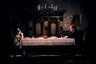 Известная пианистка Шарлотта Андергаст приезжает к дочери Еве, которую не видела семь лет. Отношения между ними не складываются, как и отношения матери с сестрой Евы, страдающей параличом, Хеленой. «Осенняя соната» — это конфликт дочери и матери, пересекающийся со столкновением традиционных и современных ценностей.