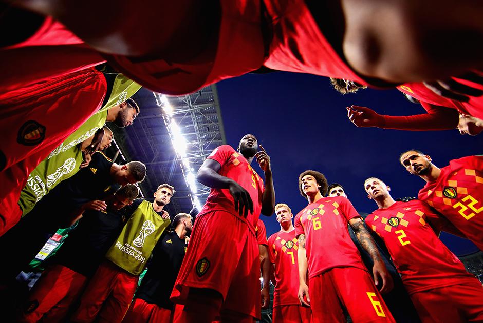 О силе и перспективе сборной Бельгии все говорят уже несколько лет. На этом мундиале команда наконец заявила о себе в полный голос: в четвертьфинале турнира подопечные Роберто Мартинеса красиво обыграли Бразилию. Дойти до финала в этот раз «красным дьяволам» было не суждено: их остановила звездная, но расчетливая сборная Франции.