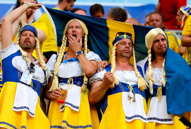 Сборная Швеции сенсационно заняла первое место в группе, выбив из турнира чемпиона мира — команду Германии. В 1/8 финала скандинавы выбили из турнира швейцарцев и впервые за 24 года попали в четвертьфинал мундиаля. Однако там команда напоролась на англичан и уехала домой. Болельщики были явно расстроены.