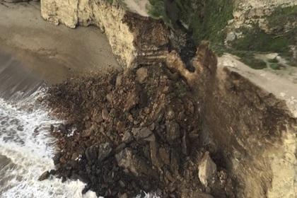 Американка выжила после падения с 60-метровой скалы