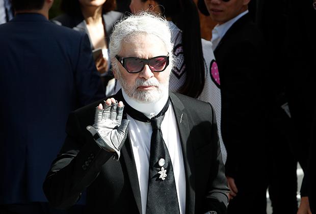 Модную индустрию, как и Голливуд, пытались обвинить в том, что это «мир белых мужчин». Спасает белых мужчин то, что в большинстве своем они геи, как Карл Лагерфельд.