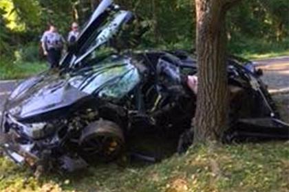 Американец купил роскошный спорткар и разбил его на следующий день