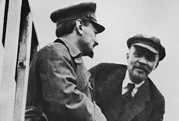 Лев Троцкий и Владимир Ленин