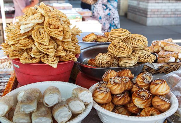 Традиционные узбекские сладости.