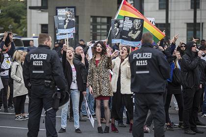Ультраправые не попали на гей-парад и пожаловались на дискриминацию