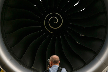 В двигатели самолетов запустят тараканов