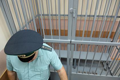 В Петербурге секретарь суда отказался подписывать протокол и сел