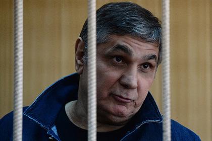 Появилась новая версия визита главного вора России в здание СКР