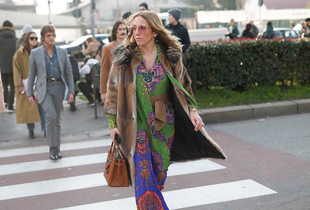 Конечно, настоящие хиппи так бы никогда не оделись. Но за характерные цвета и психоделический принт благодарить нужно именно их.