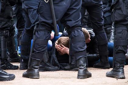 Участников незаконных митингов начнут отпускать быстрее и судить мягче