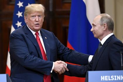 Трамп пожаловался на очернение встречи с Путиным