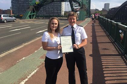 Записки на мосту самоубийц спасли шесть жизней