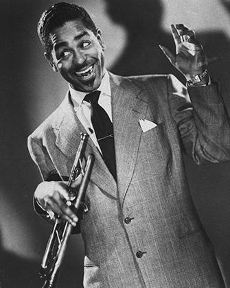 Одним из основателей бибопа и типичным черным хипстером был Диззи Гиллеспи. Легендарный джазмен появлялся на публике в типичной для битников беретке и шелковом платке.