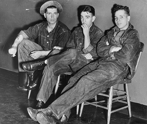 1950-е годы стали эпохой, когда молодежь начала формировать субкультуры протеста. Хипстеры стали одной из первых, за ними последовали другие. Несмотря на то что герои поколения Джеймс Дин и Марлон Брандо не были хипстерами, последние их любили и уважали.