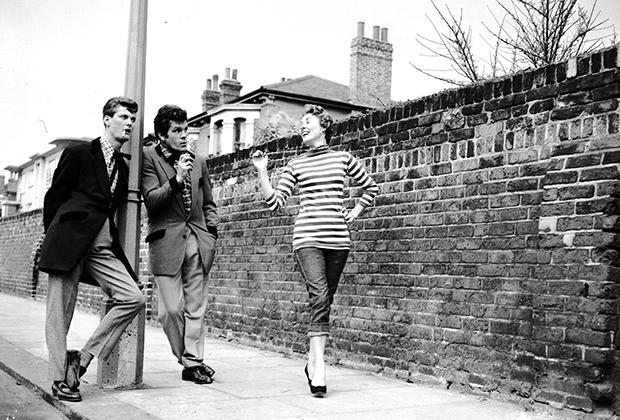 Тельняшки стали популярными благодаря битникам, но прочно вошли в гардероб сразу нескольких субкультур 1950-х годов.