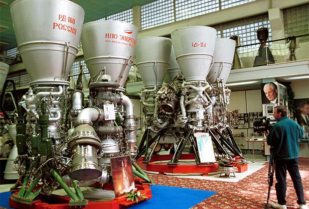 Ракетные двигатели РД-171 и РД-180