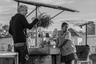 Один из главных мексиканских режиссеров современности Альфонсо Куарон не снимал ничего со времен памятного и, к слову, открывавшего Венецианский фестиваль сай-фая «Гравитация» — тем интереснее, что его следующий проект строится на истории, несколько более камерной. «Рим» посвящен одному году из жизни обитающей в Мехико 1970-х семьи и станет первым фильмом, который Куарон сделал на родине, со времен артхаусного хита «И твою маму тоже».