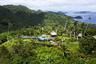 «Курорт в курорте» — именно так называют расположившийся в Республике Фиджи на острове Лаукала отель Laucala Island Resort. Для того, чтобы остановиться в одной из вилл хотя бы на одну ночь, потребуется всего-навсего 2,8 миллиона рублей и специальное приглашение от австрийского бизнесмена Дитриха Матешица, владеющего не только гостиницей, но и всем островом.