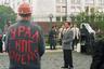 Кобзон произносит обращение на акции протеста шахтеров у Дома Правительства России на Горбатом мосту. Артист организовал для пикетчиков четырехчасовой концерт звезд эстрады. 1998 год.
