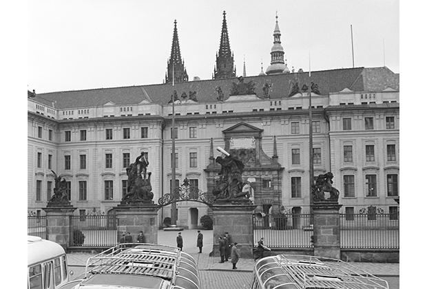 Вид на Пражский Град— ныне президентскую резиденцию,1968 год, Чехословацкая Социалистическая Республика