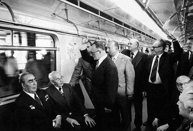Самая тесная дружба связывала Густава Гусака с советским лидером Леонидом Брежневым