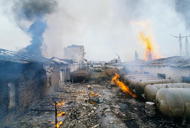 1992 год. Коньячный завод в поселке Аскеран на границе Нагорного Карабаха после обстрела азербайджанской стороной