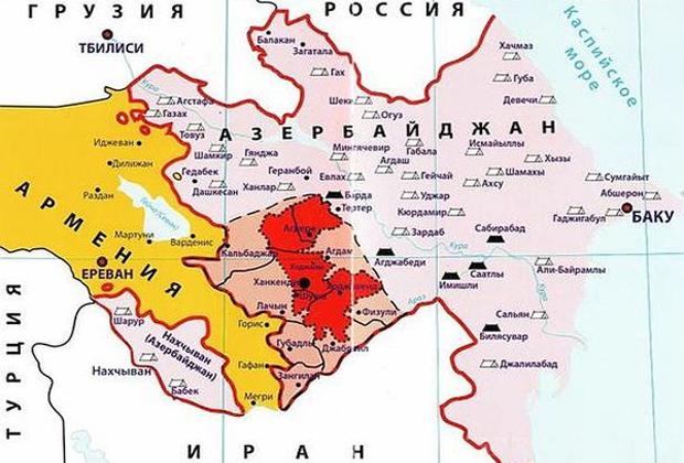Территория Нагорного Карабаха — красный цвет; пунктиром отмечен пояс безопасности