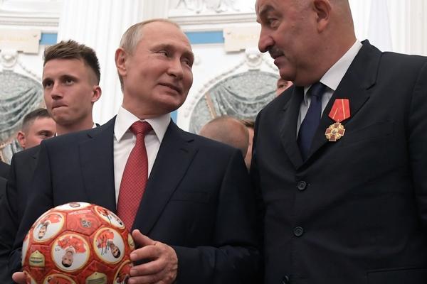 Владимир Путин и Станислав Черчесов
