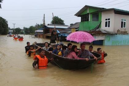 Наводнения оставили без домов тысячи жителей Мьянмы