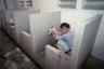 """Общественные туалеты в Китае действительно можно назвать общественными — никаких перегородок или дверей с задвижкой там не предусмотрено, разве что в исключительных случаях. А вот традиционный китайский «унитаз» для не привыкшего туриста вообще сплошное унижение, потому что выглядит он как обычная дырка в полу (в лучшем случае). <br><br> Дело в том, что китайская медицина не признает сидения на унитазе с планшетом или газеткой по несколько часов. У них это считается вредным для здоровья. По мнению местных врачей, чтобы процесс похода в туалет прошел безболезненно, человек должен сидеть на корточках, задрав колени вверх. Поэтому даже если китаец увидит привычный для нас унитаз, он обязательно заберется на него ногами, чтобы справить нужду. <br><br> Тем не менее, китайские власти уже осознали необходимость в переменах: в ноябре 2017 года председатель КНР Си Цзиньпин <a href=""""https://lenta.ru/news/2017/11/27/xi/"""" target=""""_blank"""">предложил</a> революционизировать туалеты для развития туризма."""