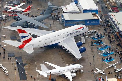 Десятки пассажиров выгнали из самолета из-за веса