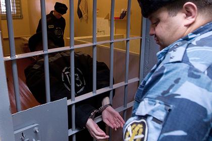 Тюремщики получили срок из-за сошедшего с ума заключенного