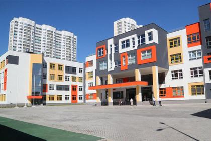 Воробьев проверил готовность новой гимназии в Люберцах