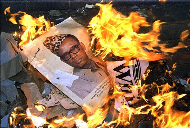 Кабилу и возглавляемый им «Альянс демократических сил за освобождение Конго» поддержали Уганда, Руанда, Ангола и Бурунди. Под их давлением режим Мобуту пал, сам он бежал в Марокко, где вскоре умер.