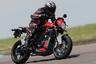 """Victory Motorcycles — электрический аналог Harley-Davidson. Компания <a href=""""https://www.cycleworld.com/new-victory-motorcycles"""" target=""""_blank"""">предлагала</a> широчайший ассортимент электробайков: от чопперов до спортивных. Victory начала продавать байки еще 20 лет назад, первый байк был продан в 1998 году. Некоторое время Victory была прибыльной, однако три из последних пяти лет компания провела в убытках, из-за чего материнская компания — Polaris Industries — решила ее закрыть."""