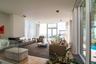 Общая площадь дома — более 700 квадратных метров. Интерьер сдержанный, архитектура — приятная глазу. И придраться-то не к чему.
