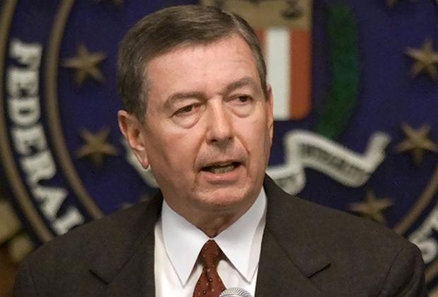 Генеральный прокурор США Джон Эшкрофт объявляет о раскрытии банды мошенников, укравших миллионы «Макдоналдса»