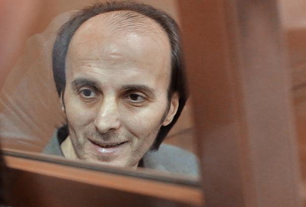 Юсуп Темирханов, обвиняемый в убийстве бывшего полковника Юрия Буданова, в зале заседаний Мосгорсуда
