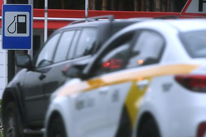 Руководитель  Минпромторга поведал  оразмере штрафов для АЗС занедолив бензина
