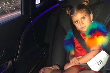 Шестилетнюю племянницу Ким Кардашьян заметили с сумкой за 2000 долларов