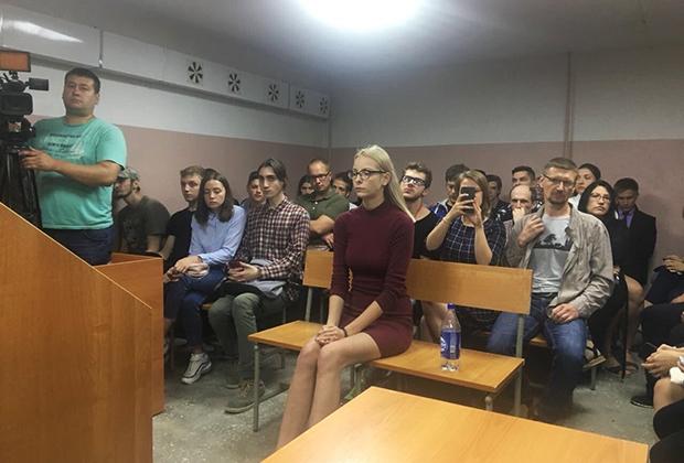 Первое заседание суда по делу Марии Мотузной