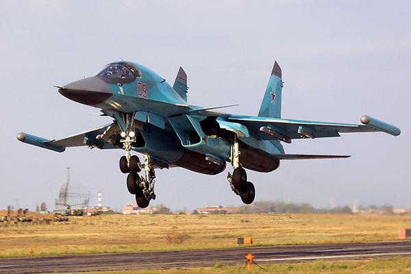 Су-34 с внешними модулями КРЭП «Хибины»
