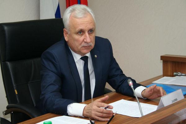 Борис Ларин