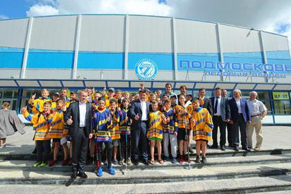 Воробьев сыграл в хоккей