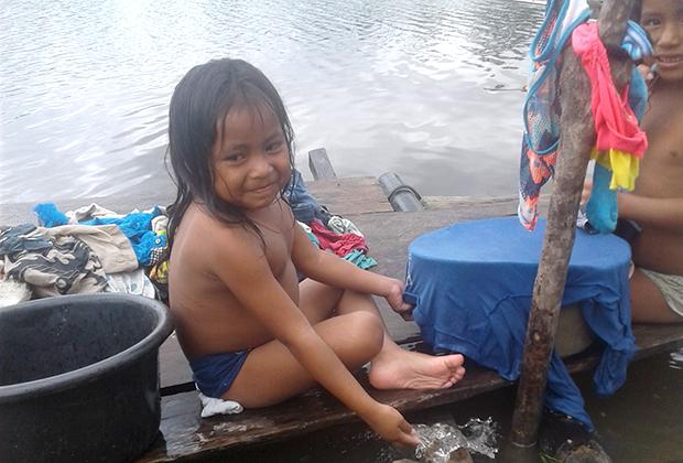 Ребенок из числа местных индейцев