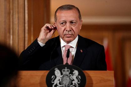 Эрдоган успокоил расстроенных падением лиры турок